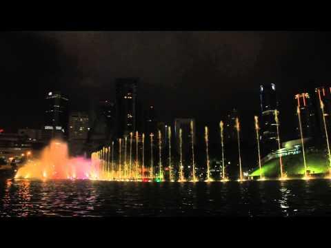 MALAYSIA: KLCC LAKE SYMPHONY WATER FOUNTAIN SHOW (HD) - CINDAI (Instrumental) by SITI NURHALIZA