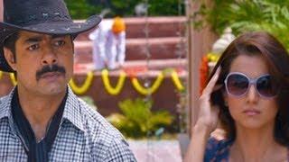 Kulraj Randhawa Slaps Sushant Singh - Chaar Din Ki Chandni