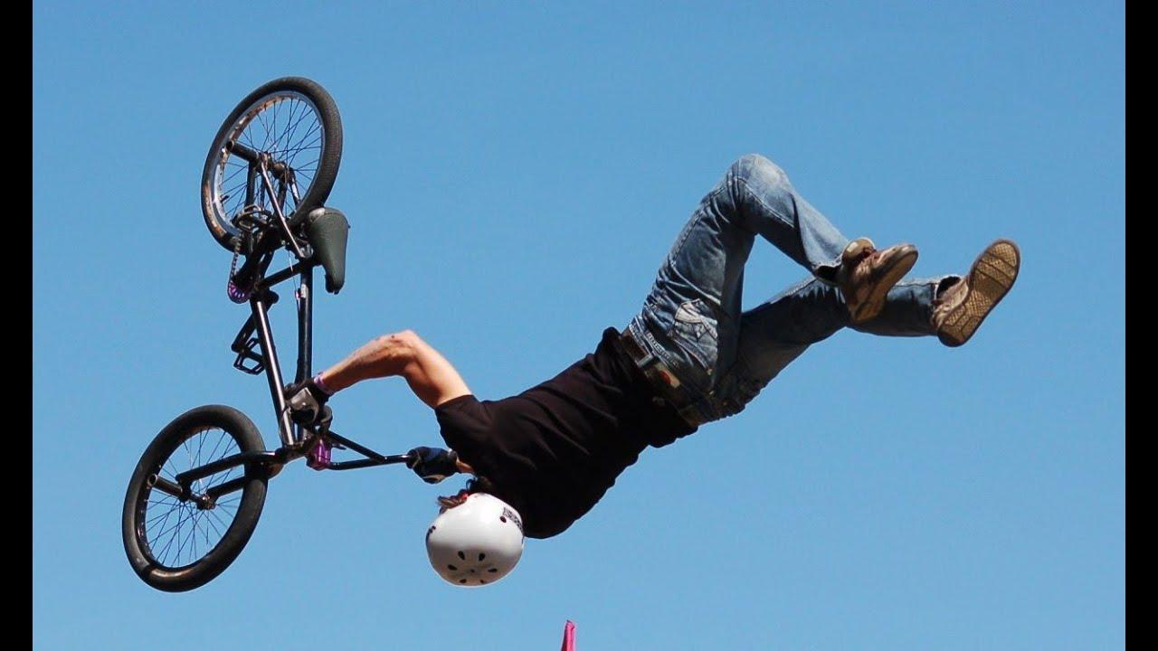 Montando en la bici - 3 part 1