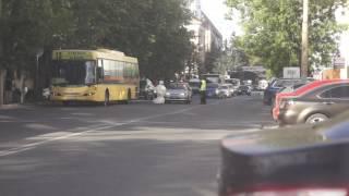 これは始まりに過ぎない…なのか?ロシアで開発中のロボットが脱出、交通渋滞を引き起こす。