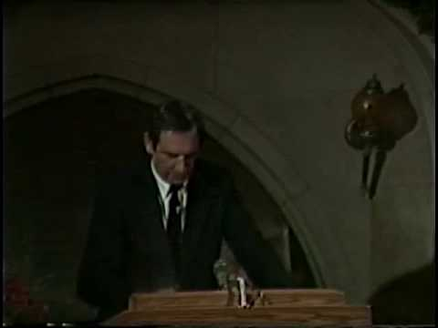 Doug Coe speaks to Navigators - 1989, part 1