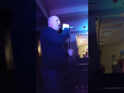 """Phill collins """"in the air tonight"""" karaoke cover by Russell Howarth"""