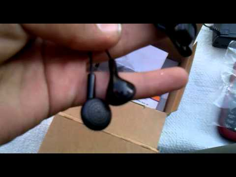 Unboxing Nokia 1616 Mobile Phone.