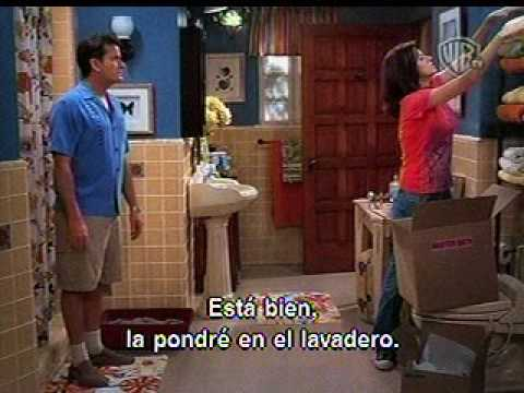Jennifer Taylor en Two and a Half Men como Chelsea  Sir Crapalot