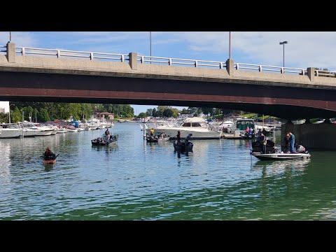 Circus Fishing - Kenosha Harbor - Salmon Fishing