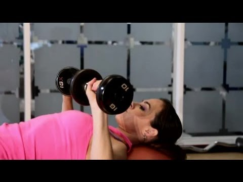 what-muscles-does-the-flat-bench-press-exercise-work?-:-getting-in-shape