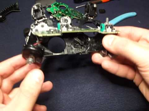 Opening a Xbox One Wireless controller, 3 5mm, 1697