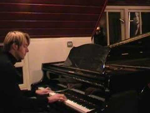 Riders on the storm (Doors) on a Grand piano