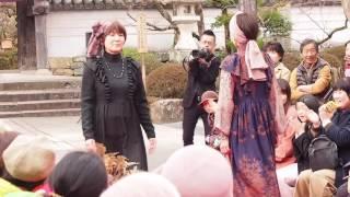 2017年3月5日山口市の龍福寺にて行われたファッションショーの様子です...