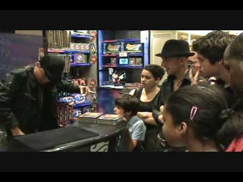 JEFFREY TAM does magic in hamley