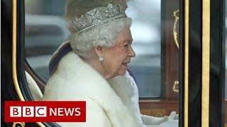 Queen arrives at Parliament - BBC News