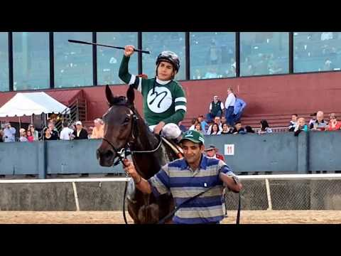 Martini Glass beats Actress and Farrell in the $350,000 Azeri at #Oaklawn