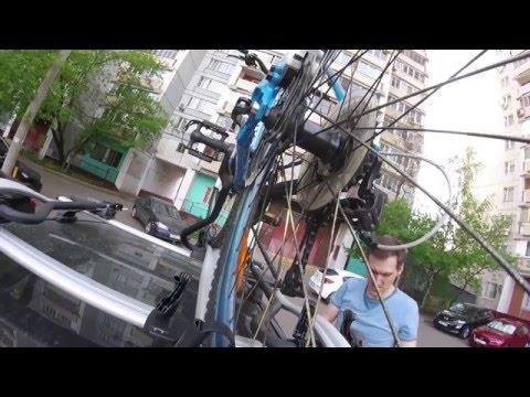 Установка трех велосипедов на крыше автомобиля