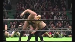 プロレスリングノア: 井上雅央 vs 高山 善廣 03/01/03.