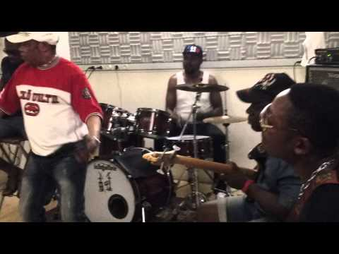 Ya Mado: ZIMBA BUE Concert 20/06/2015 M° Hoche Paris(Ak Klimat)
