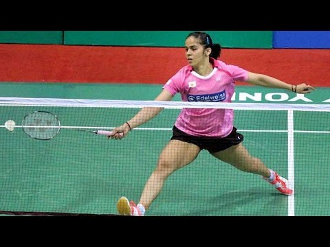 Saina Nehwal defeats Brazilian Lohaynny Vicente by 21-17,21-17 at Rio Olympics 2016 | Oneindia News