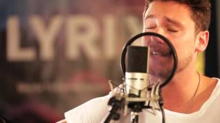 Paolo Nutini – Autumn (#LyrixSession Cover by Bastian Baker)