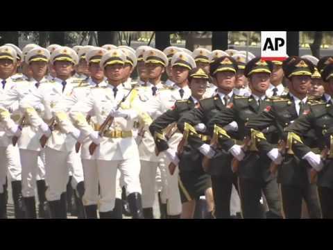 China's Li Keqiang welcomes Cambodia's Hun Sen