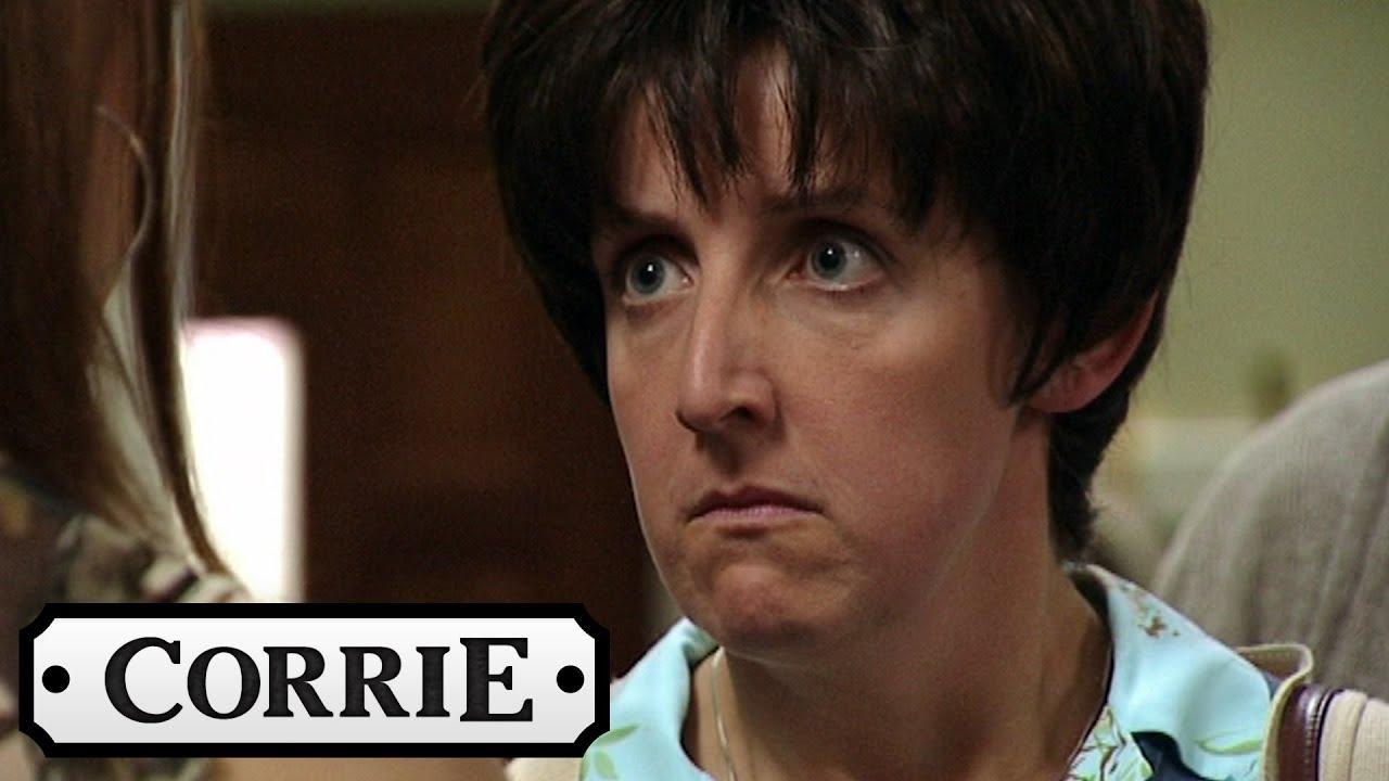 Coronation Street Hayley Slaps Tracy