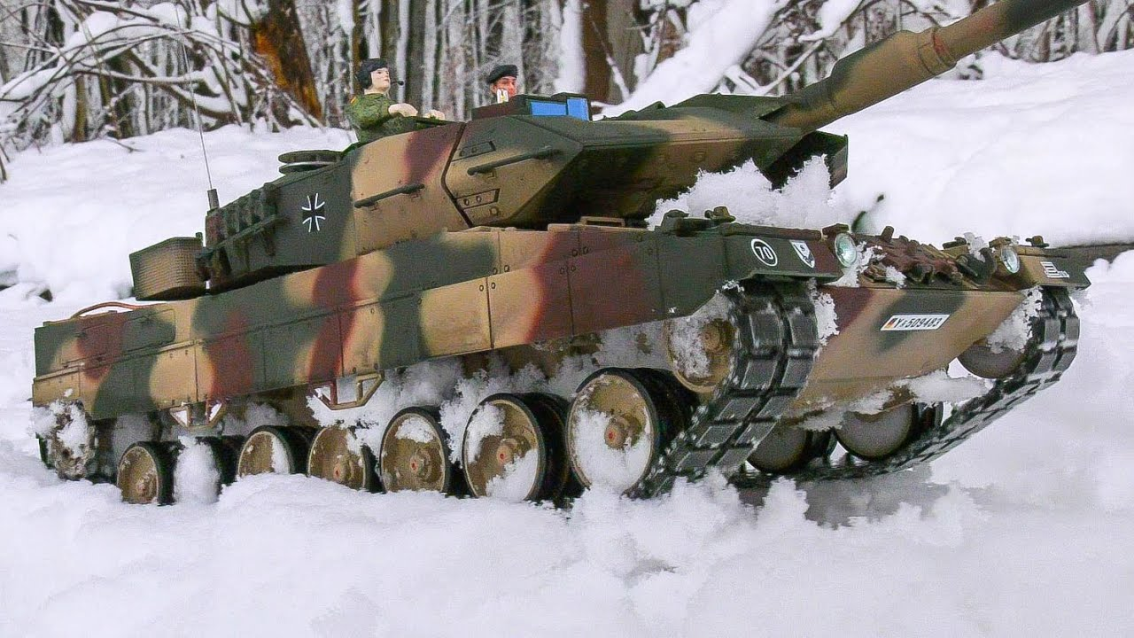 UNIQUE RC MODEL TANKS, RC MILITARY VEHICLES, RC ARMY TRUCKS, TORRO RC LEOPARD IN SNOW!!