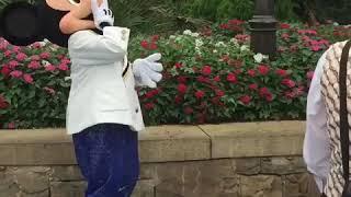 ウォルト仮装でディズニーシーのミッキーに会いに行った thumbnail
