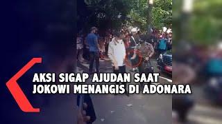 Download Aksi Sigap Ajudan Presiden Saat Jokowi Menangis di Adonara