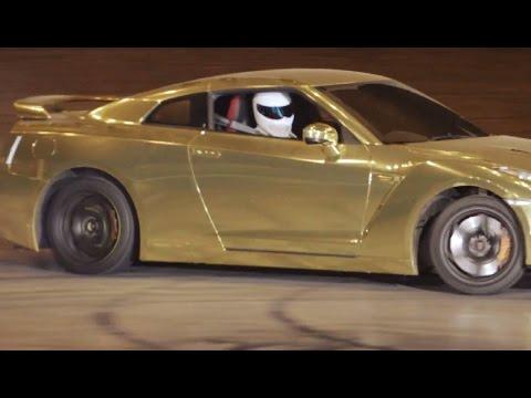 Stig Gold Nissan GTR Doughnuts | Top Gear