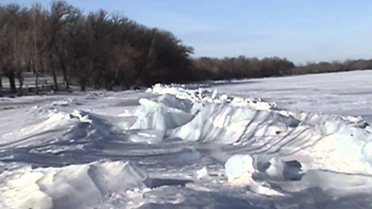 Ice pressure ridge at marble beach ramp hampers fishermen for Ice fishing iowa