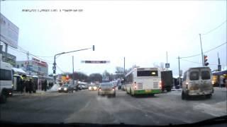 Потерял колесо(Маршрутное такси теряет колесо при подъезде к остановке. Место действия: Люберцы около станции Люберцы-1..., 2013-01-30T06:18:42.000Z)