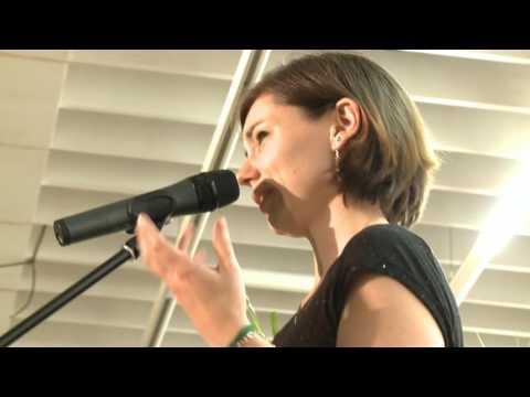 Poetry Slam: Spiritualität in sieben Minuten