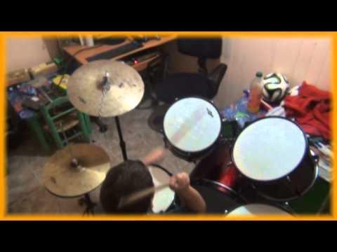 rodrigo el critico de cine y baterista!!!!