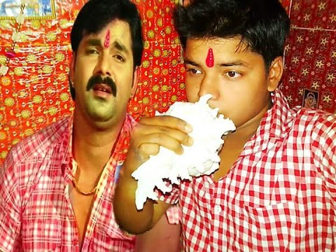 Pawan Singh Sing a best song(live). mp4
