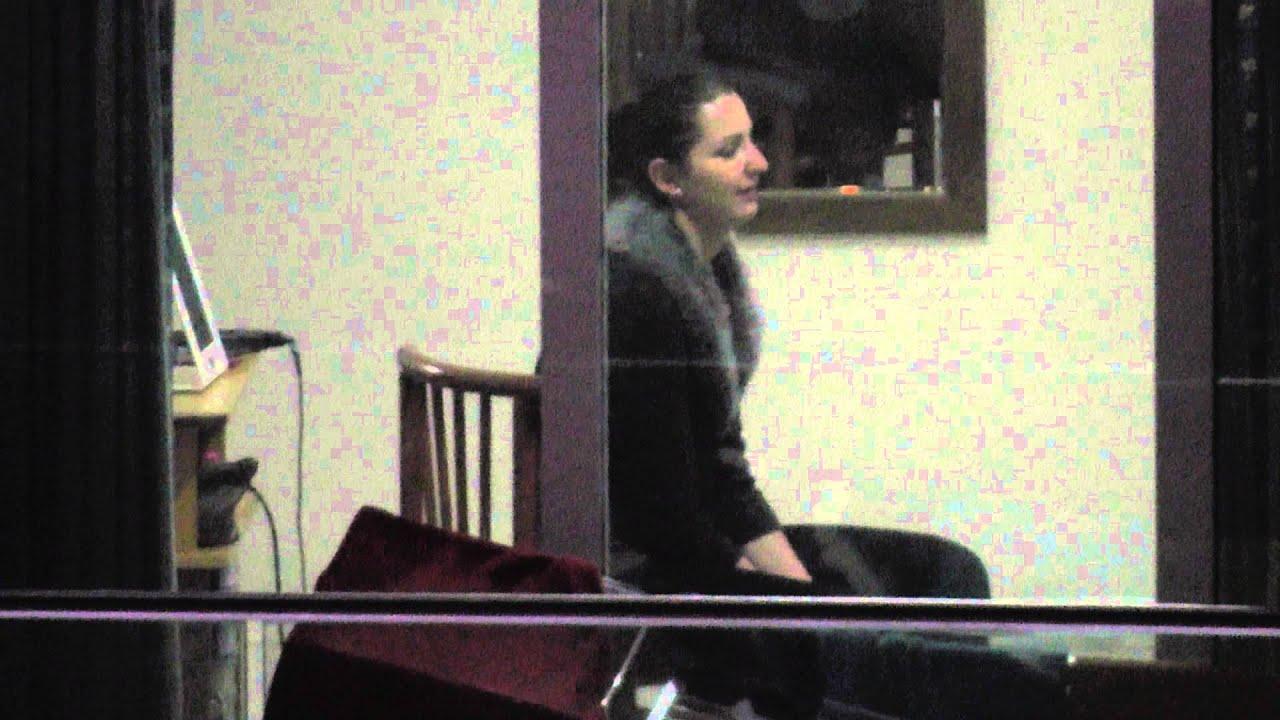 Подглядываем в окно напротив фото 110-473