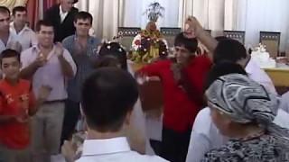 Танец жениха Али и невесты Мадины