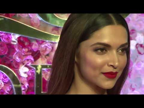 Lux Golden Rose Awards Red Carpet 2016 Full Video HD  -Pregnant Kareena,Deepika,Katrina
