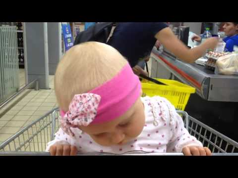 Baby attempts to fight sleep, fails completely