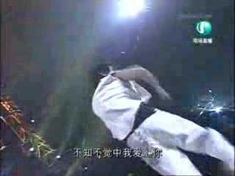 Lin Jun Jie singing 89757 on project superstar finals