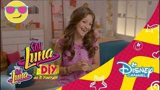 Disney Channel España | Soy Luna DIY: Fashion & Beauty- Camiseta Tie-Dye(Si eres un auténtico DIYer, no te puedes perder estas ideas que nos propone Karol Sevilla, de 'Soy Luna'. ¡Lunatízate! La serie 'Soy Luna' combina comedia, ..., 2016-08-01T09:52:00.000Z)