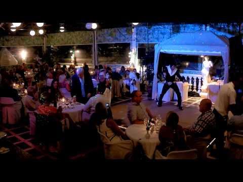 Micky Vegas canta Elvis Presley, Restaurante Valparaiso
