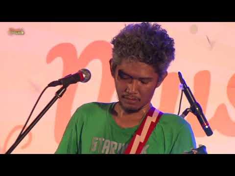 BXc MALL MUSIC IN THE PARK THE ADAMS (SONG: BERWISATA, KONSERVATIF) 15 SEPTEMBER 2017