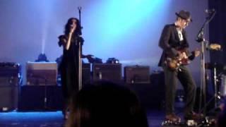 PJ HARVEY - Black Hearted Love (live @ AB, Brussels 2009)