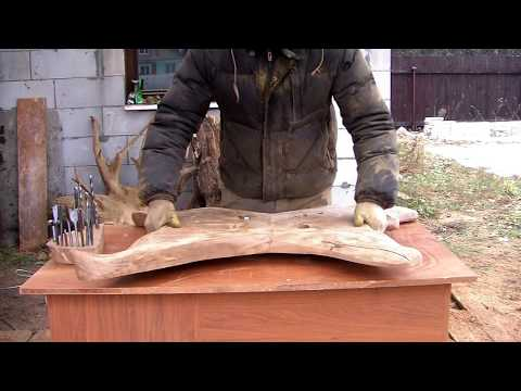 Cмотреть видео Table made of wood and metal rods. Стол из дерева и металлических прутьев.