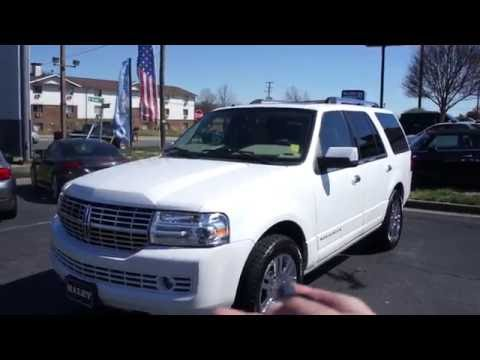 2009 Lincoln Navigator Limited Walkaround, Start up, Tour and Overview