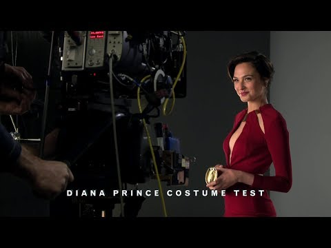Wonder Woman 'Batman v Superman' Featurette [+Subtitles]