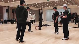 Download EXO - OBSESSION DANCE PRACTICE Behind The Scenes