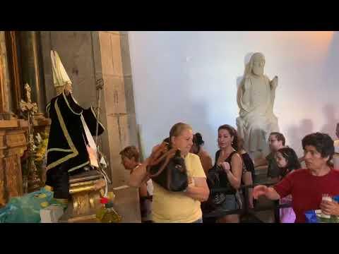 Miles de devotos acuden a la cita con el 'santo máis milagreiro'