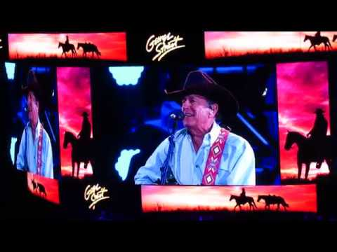 George Strait Closes Out the 2019 ACM Awards With 'Every Little Honky Tonk Bar'
