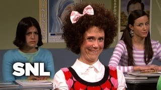 Gilly: Class with Rosario Dawson - SNL