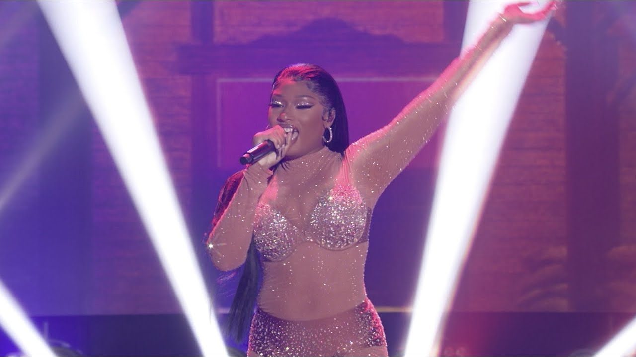 Megan Thee Stallion - Body [New Year's Rockin' Eve 2021]
