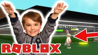 CUTE KID CATCHING EASTER BUNNY in ROBLOX SUPER HERO TYCOON
